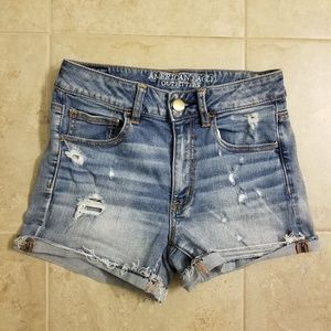 American Eagle Hi Rise Distressed Shortie